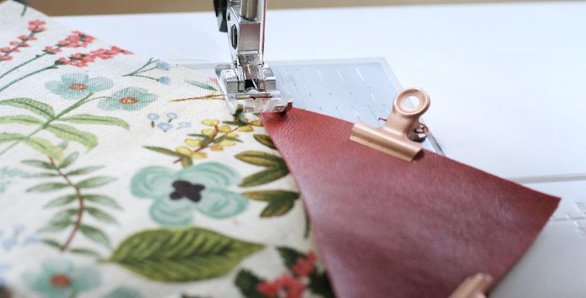 Tuto sac cabas Mila - couture des empiècements en cuir - Louise magazine