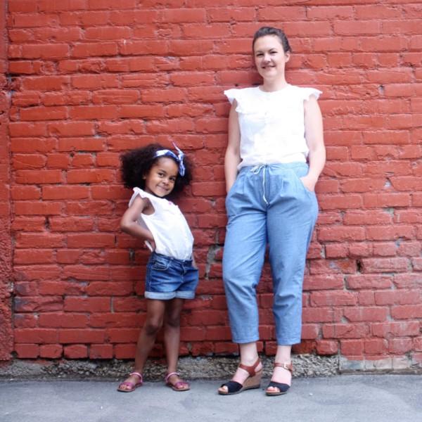 duo mère-fille avec le patron de chemisier Suzon de RDC