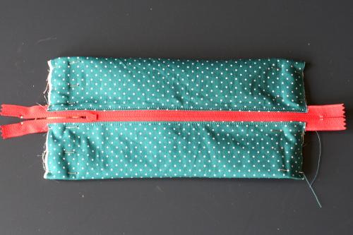 tuto trousse zippée : couture des côtés de la trousse