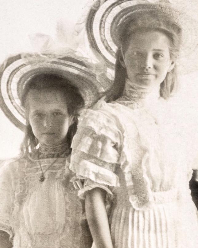 Blouse victorienne fillette - photo ancienne en noir et blanc
