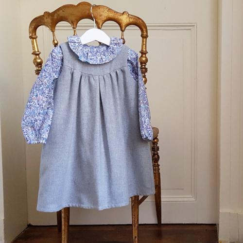 Patron robe bébé Camelia - Cœur d'Artichaut