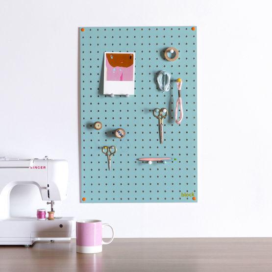 Idée cadeau - Pegboard bleu de la marque block