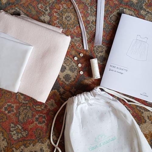 Kit couture bébé robe alouette - Cœur d'Artichaut