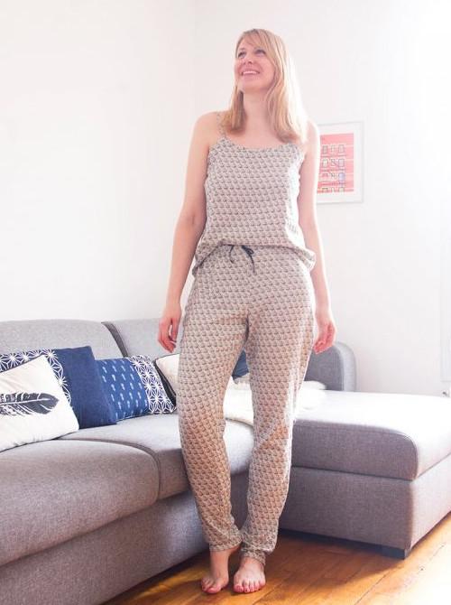 Ensemble pantalon de pyjama février et top à bretelles du mois d'août Charlotte Auzou - Atelier Svila