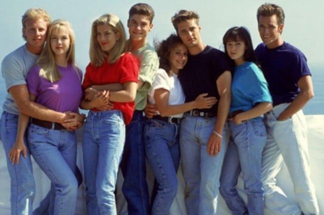 Les héros de la série Beverly Hills en jeans