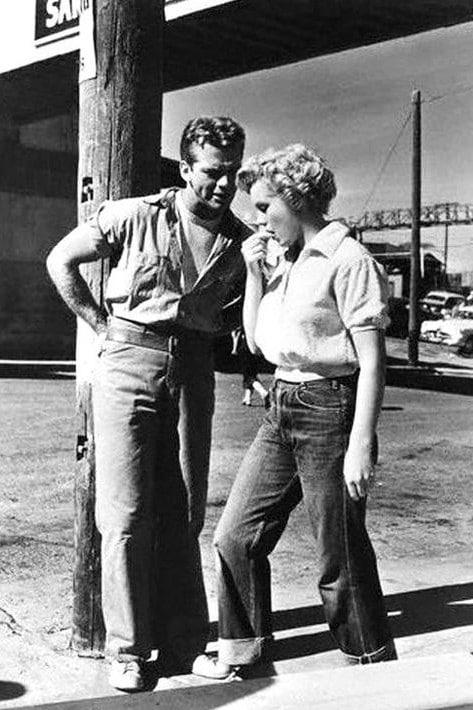 Marylin Monroe en jeans dans Le Démon s'éveille la nuit (1952)