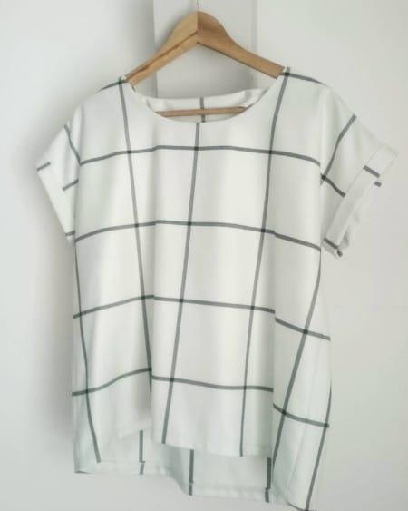 T-shirt Odette à carreaux @cavaste_couture_deco -- patron gratuit La Maison Victor