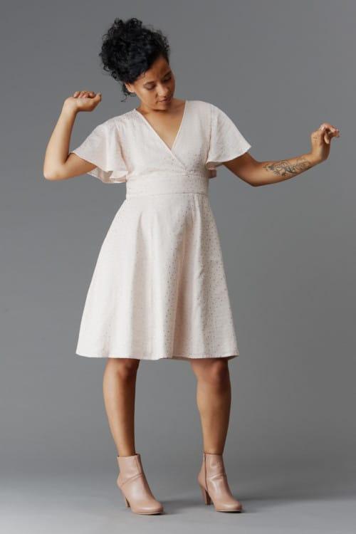 Idée robe pour un mariage : Magnolia de Deer & Doe, version courte
