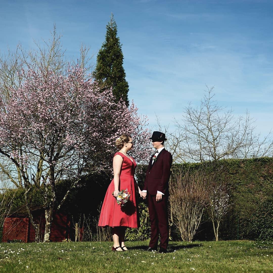 Robe de mariée rouge cousue par @cecicle_tbt