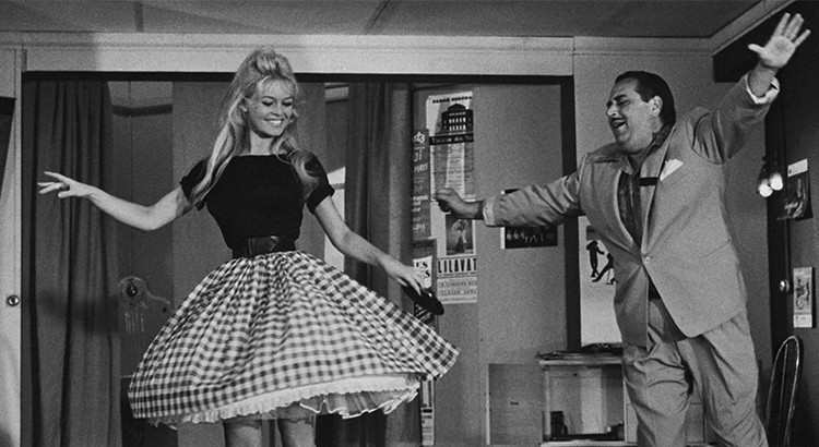 Brigitte Bardot en jupe Vichy dans Voulez-vous danser avec moi