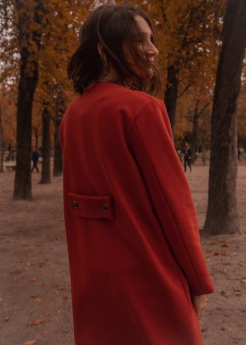 Dos du manteau Jackie avec martingale - patron Apolline Patterns