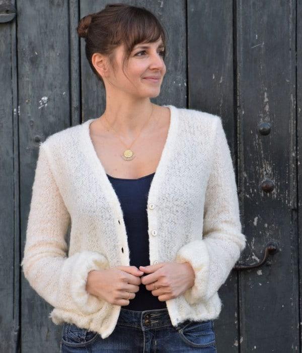Gilet sauge en tricot - Patron Anna Rose