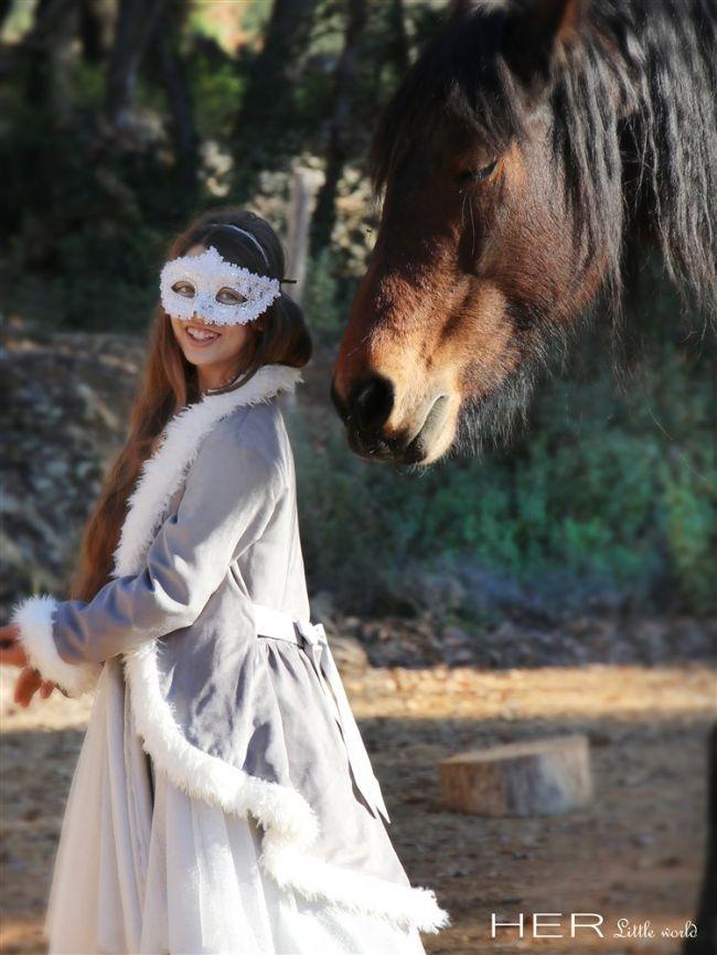 Patron robe de princesse merveilleuse - Her Little World