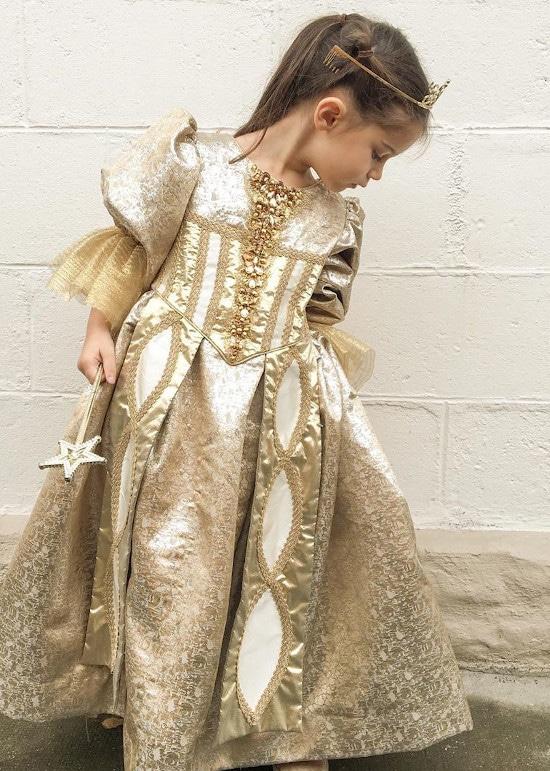 Robe de lune par @our.vie.en.rose - Patron issu des Contes de fée intemporels d'Astrid le Provost