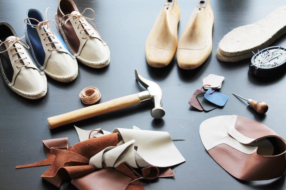 Le matériel pour coudre du cuir - Julie Kansara