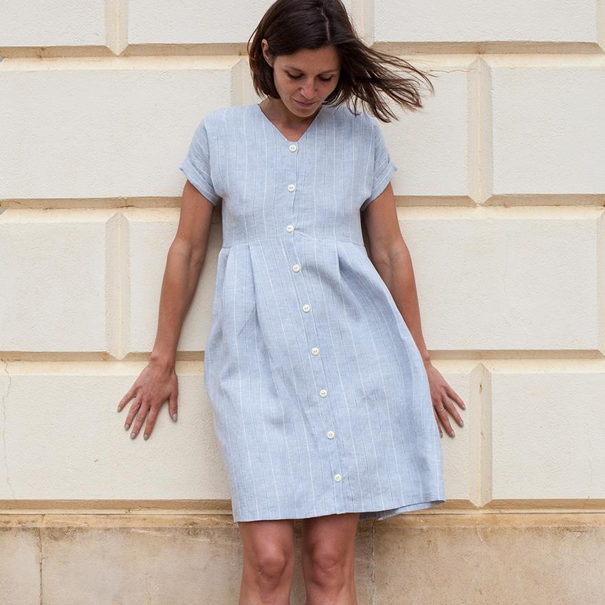 Patron gratuit robe plissée boutonnée Diana - Fabrics Store
