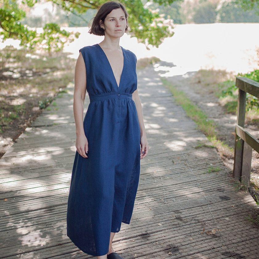 Patron robe decolletée Aja - Fabrics store