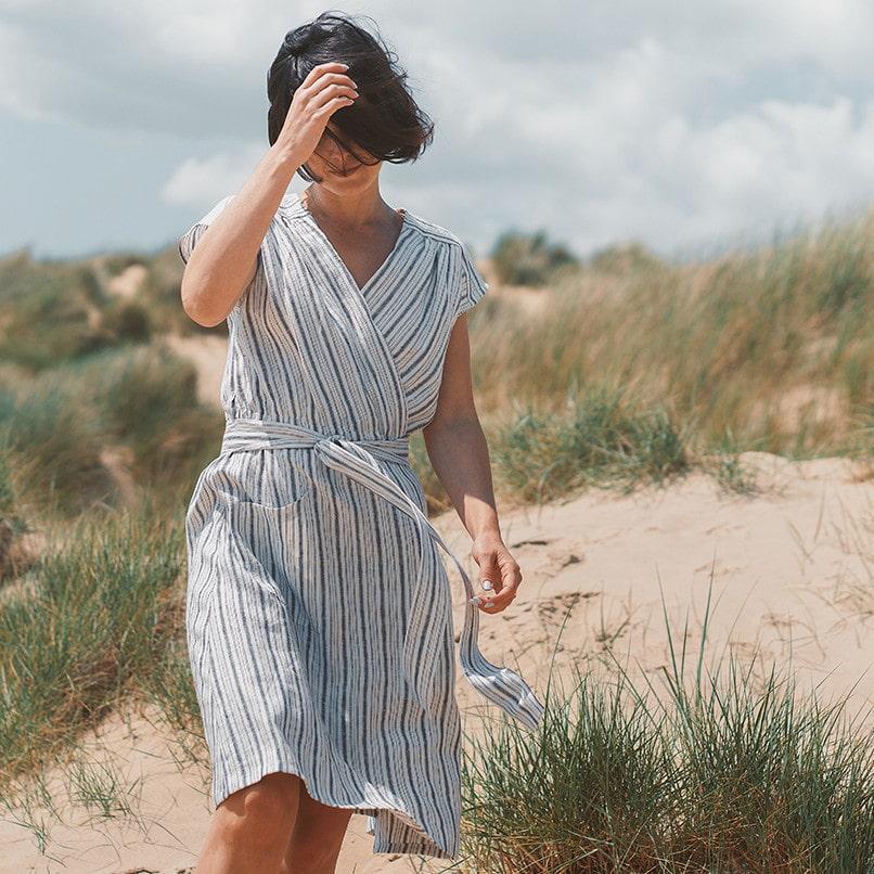 Patron gratuit robe portefeuille Luciana - Fabrics Store