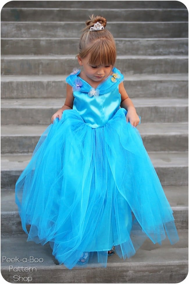 Patron gratuit robe Cendrillon - Peek a Boo