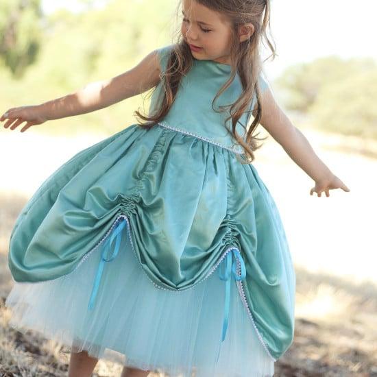 "Patron ""Petite princess dress"" par The Girl Inspired"