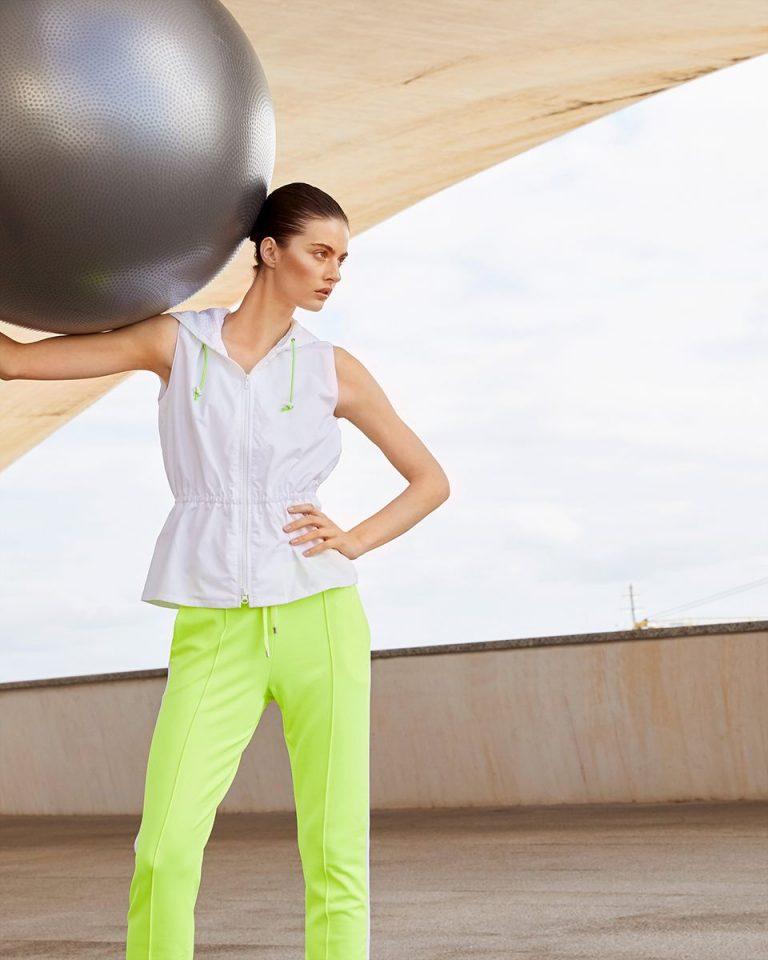Tenue sportswear avec détails fluo - Burda Style
