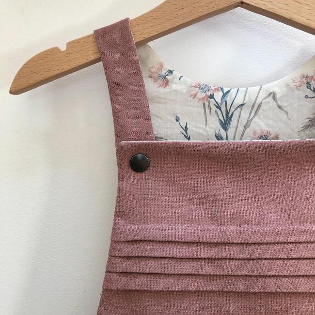 Robe salopette Eissaure plis religieuse - Rose des Vents